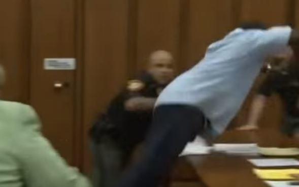 killer laughs in court